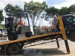 Xe nâng điện 2.5 tấn TEU nhập khẩu 2019