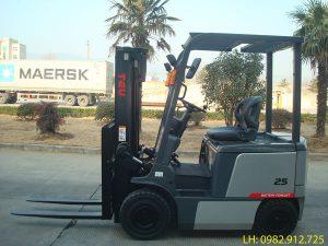 Xe nâng điện 2.5 tấn